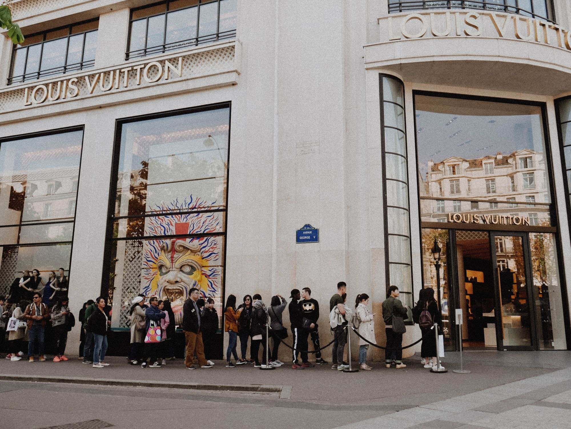 5 Things To Know About Sample Sale Shopping