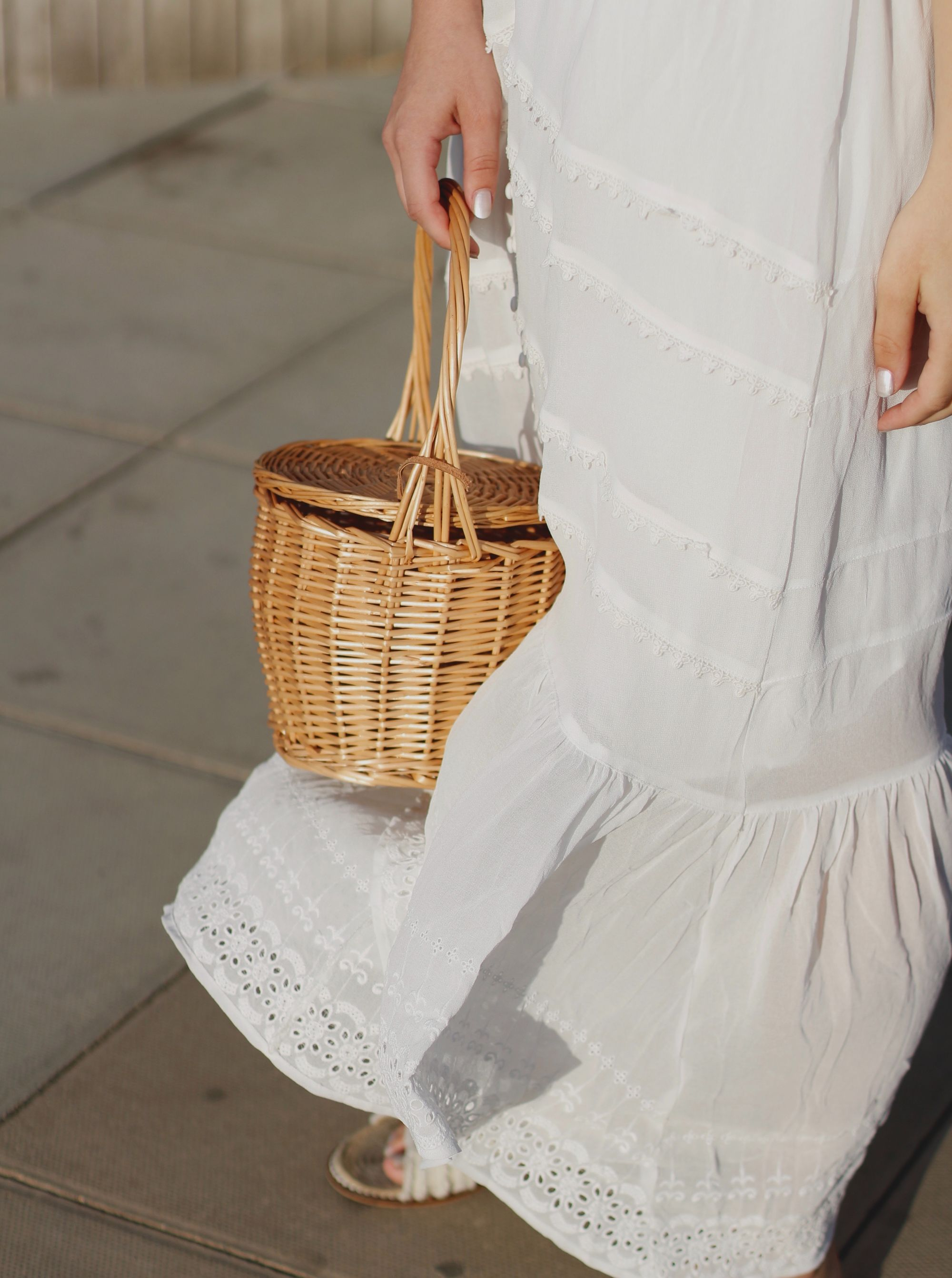 "Are Straw Handbags The New ""It"" Bags?"