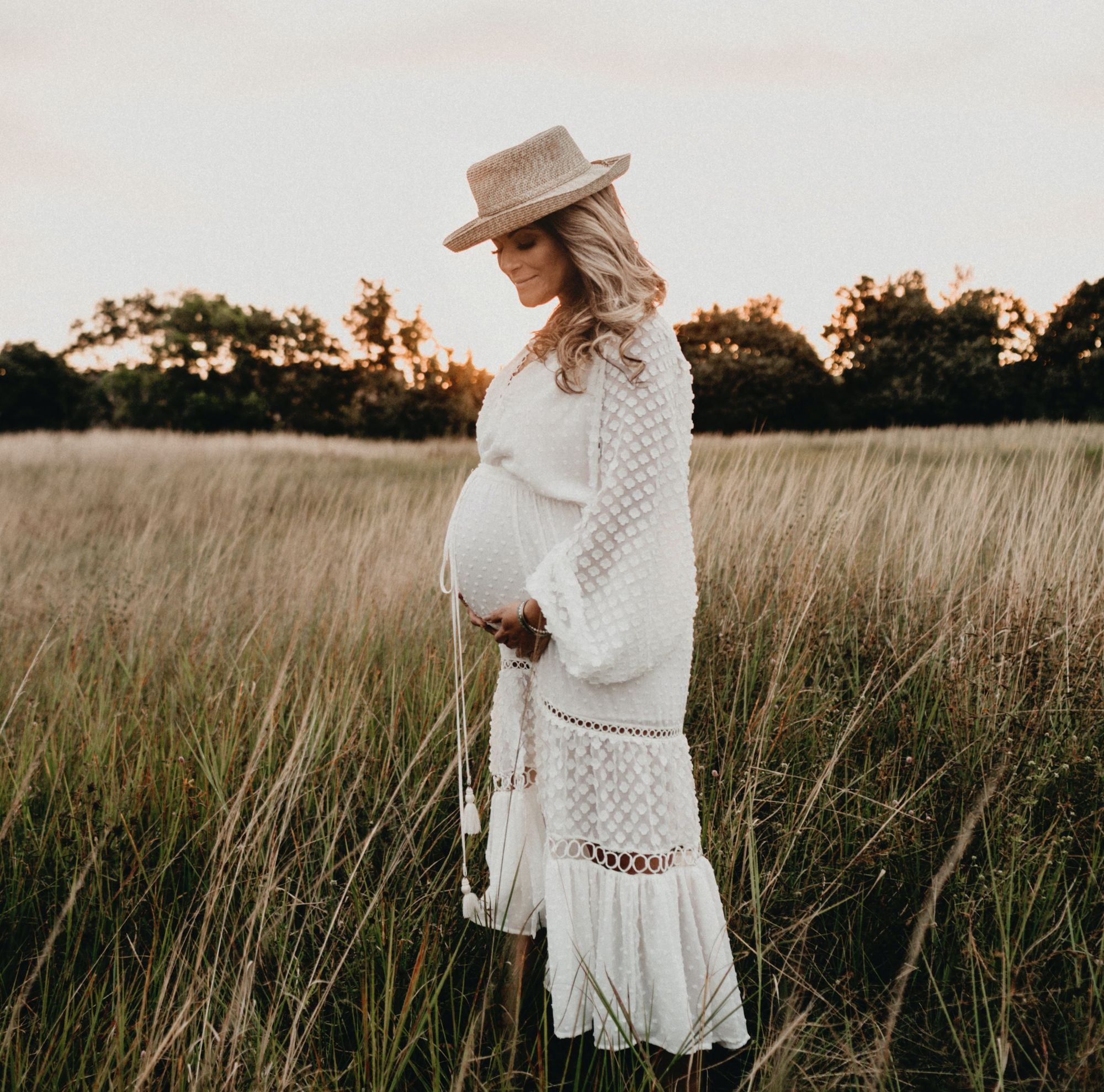 Summer Maternity Clothes – How to Style Your Bump